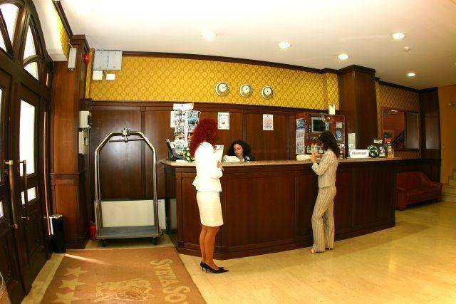 reception-desk-1