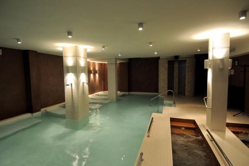 Thermal_swimming_pool_Pirin