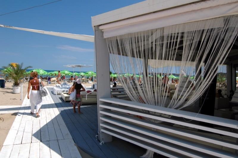 Beach-bar_1