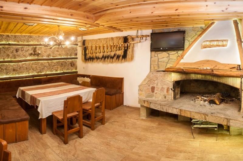 Bistro-Boriki-Fireplace