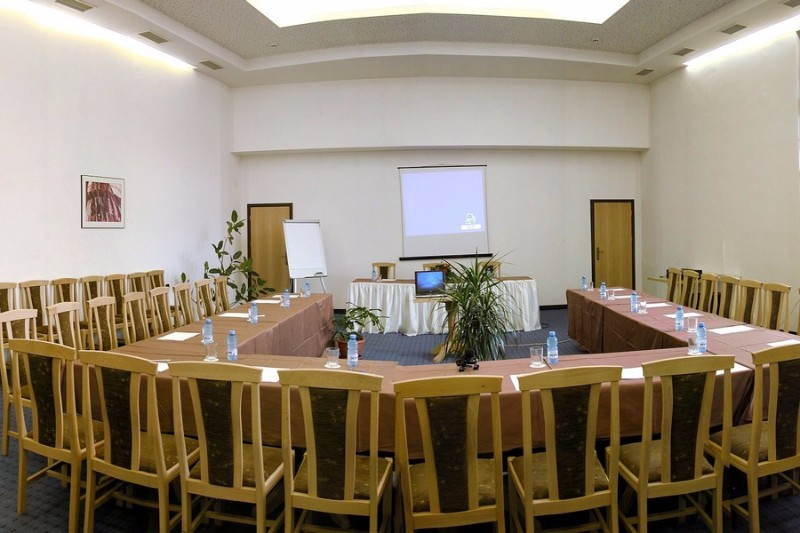 HO_ConferenceHall1