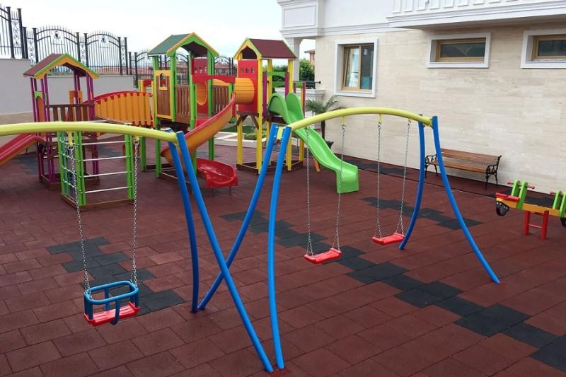Villa-Florence-playgraund