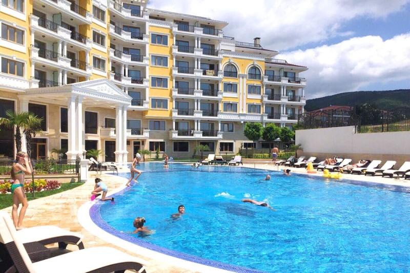 Villa-Florence-pool
