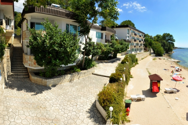 Oasis_hotel_panorama2