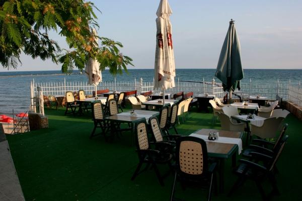 Oasis_hotel_restaurant1