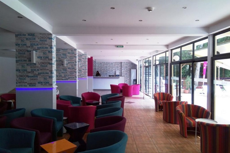 Tintyava-Park-Hotel_Lobby-4
