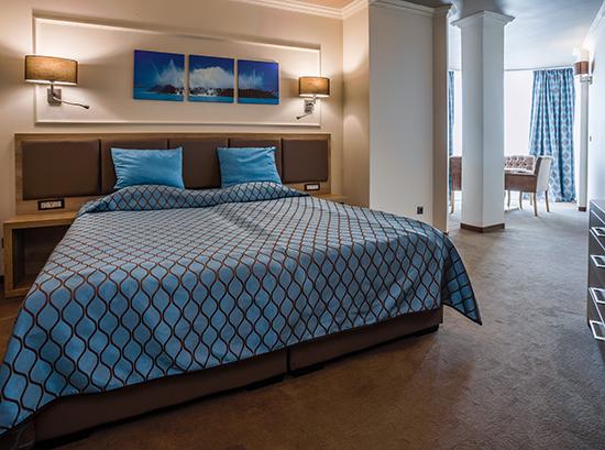 Tiara-Beach_Suite-1-bedroom-2