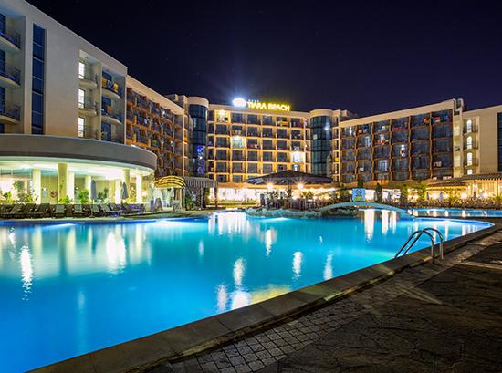 Tiara-Beach_Swimming-pool-3