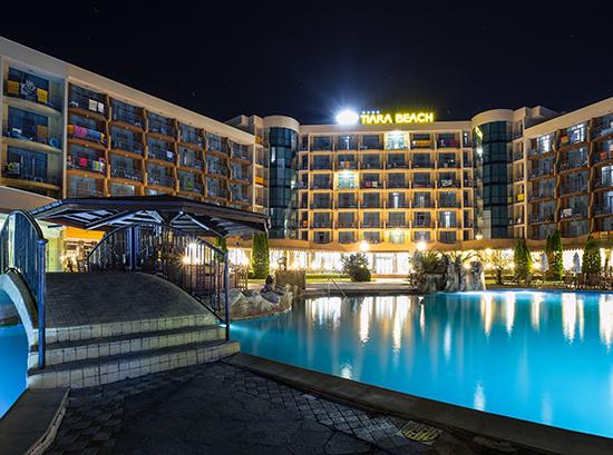 Tiara-Beach_Swimming-pool-6