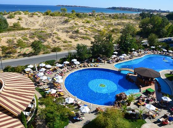 Tiara-Beach_Swimming-pool-8