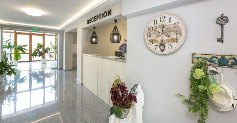 Ovech-Hotel_Tsonevo-Lake_Reception-2