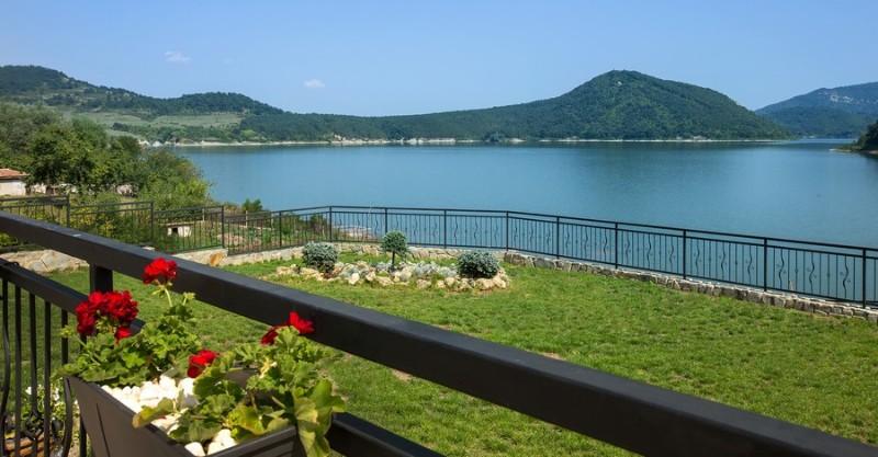 Ovech-Hotel_Tsonevo-Lake_View-2
