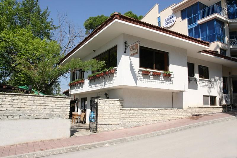 White-House-Balchik-1