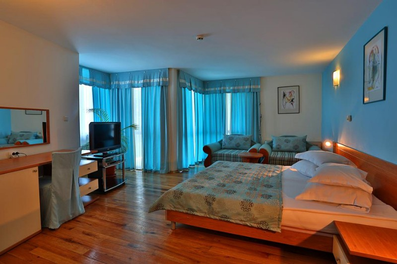 White-House-Balchik_Junior-Suite-4