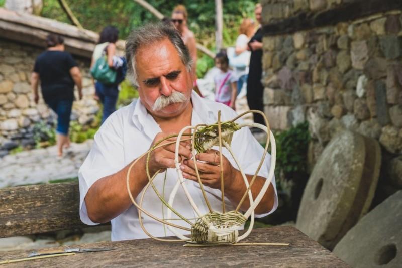 etara-traditional-crafts-16-1024x683