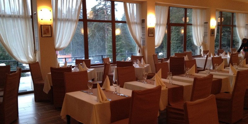 Bor-Hotel-Borovets-_Restaurant-1