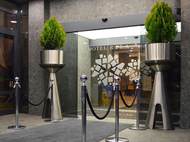 Rila-Hotel-Sofia_Main-entrance