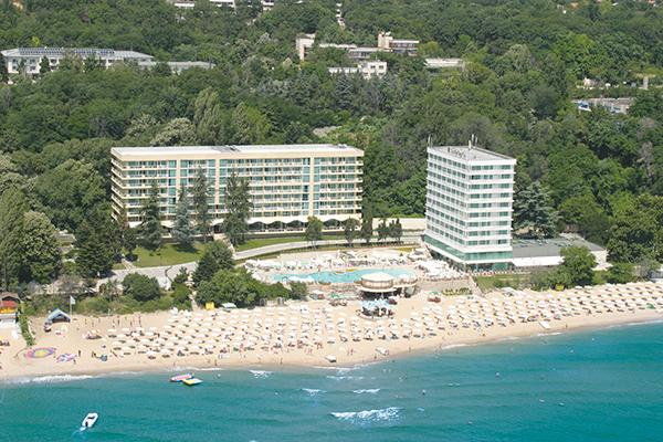 Sunny-Day-Resort-3