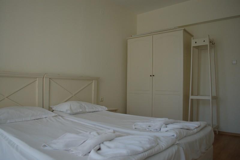 Apartment-1-bedroom_Flores-Park-1