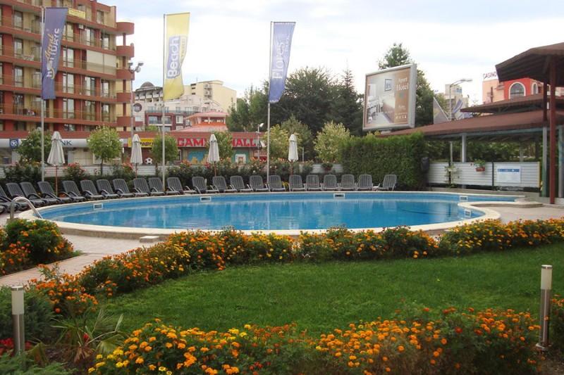 Flores-Park_Sunny-Beach-7