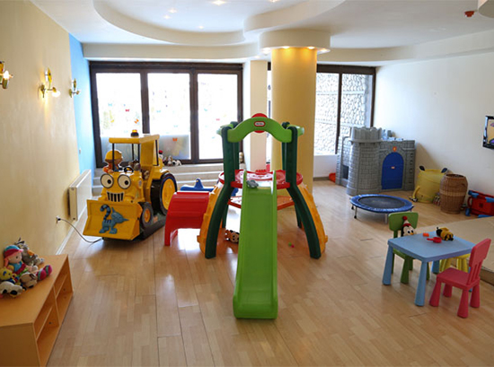 Mountain-Paradise_Childrens-room