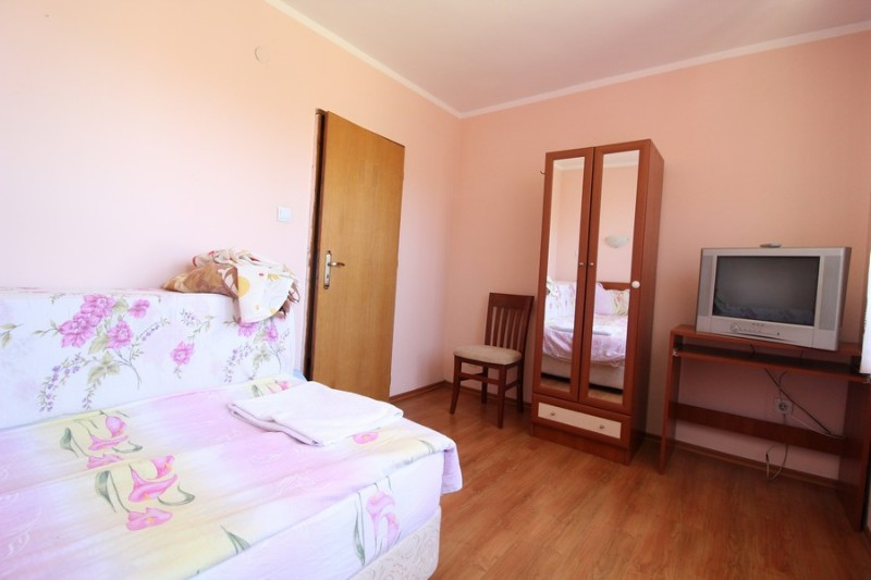 Red-House_Guest-House-Bansko-10