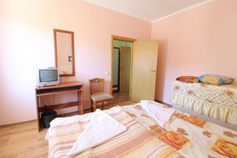 Red-House_Guest-House-Bansko-14